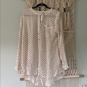 Free people tunic size med but can fit large
